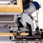 Mitre saw with automatic cycle, 45 degree right_left.